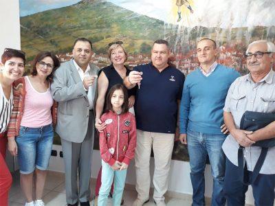 Gli ucraini con il primo cittadino Efisio Arbau