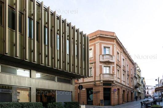 Nuoto. L'impatto della moderna struttura sulle architetture circostanti (© foto S.Novellu)