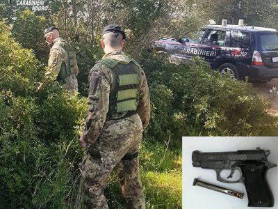 I Carabinieri impegnati nel rastrellamento