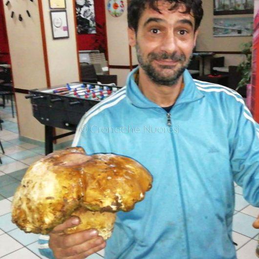 Enzo Cheri con il porcino da record
