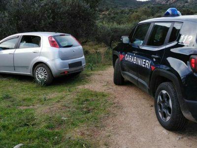 La Fiat Grande Punto utilizzata dai rapinatori per il colpo