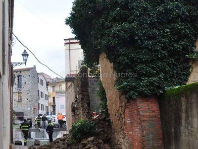 Nuoro. I resti della casa crollata a Santu Predu