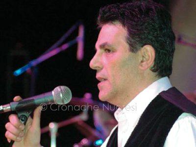 Tonino Puddu durante un'esibizione
