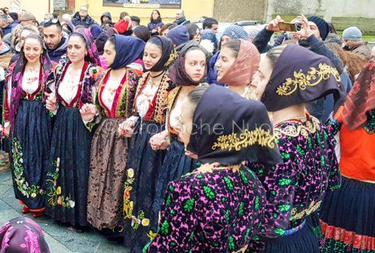momento della sfilata delle Cento Donne