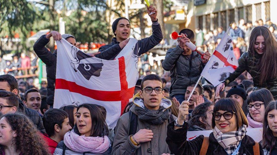 Nuoro, manifestazione di protesta contro il prezzo del latte (© foto S.Novellu)