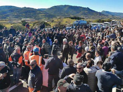 Protesta dei pastori per il prezzo del latte a Sologo (foto Giobbe)