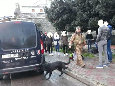 Un momento dei controlli dei Carabinieri a Orgosolo