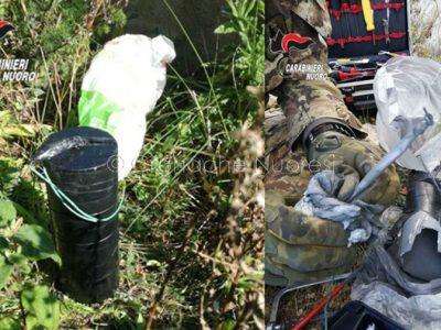 Due immagini dell'ordigno rinvenuto a Tortolì