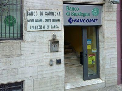 L'ingresso al Banco di Sardegna di Cuglieri