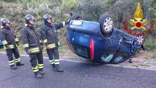 La Fiat Punto dopo l'incidente sulla Nuoro Orgosolo