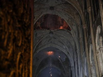 Parigi. La volta crollata di Notre Dame