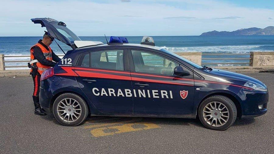 Controlli dei Carabinieri sulla strada di Turas