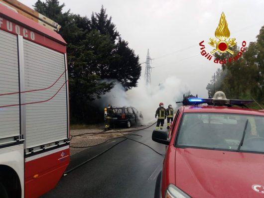 I VVFF sul luogo dell'incendio