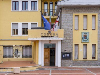 Il Comune di Oliena (foto S.Novellu)Il Comune di Oliena (foto S.Novellu)