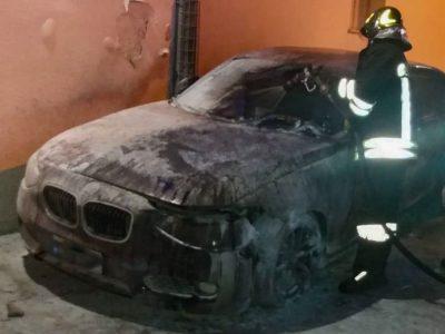 La BMW del Carabiniere incendiata a Orgosolo