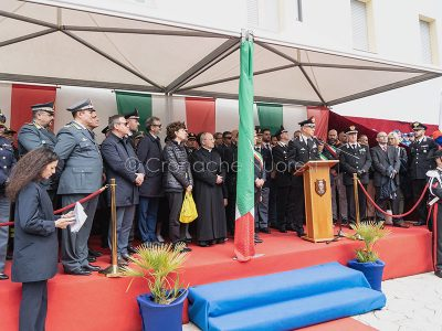 Le autorità presenti all'inaugurazione della nuova caserma Carabinieri dei Orgosolo (foto S.Novellu)