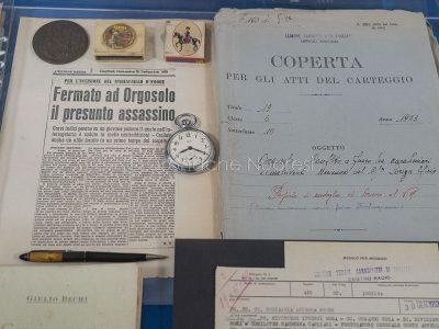 Reperti storici conservati nella nuova caserma di Orgosolo (© foto S.Novellu)