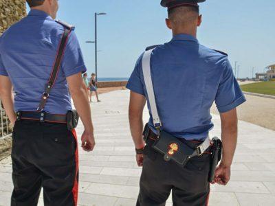 Carabinieri durante un controllo