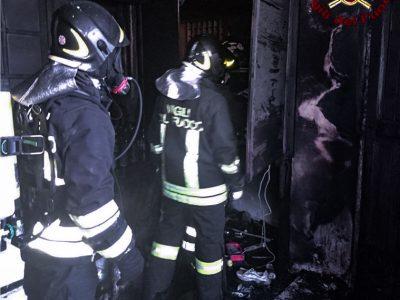 I Vigili del fuoco sul luogo dell'incendio