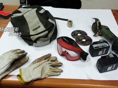 Gli attrezzi utilizzati per il furto