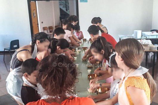 Laboratorio per bambini di preparazione dei dolci al Sacro Cuore