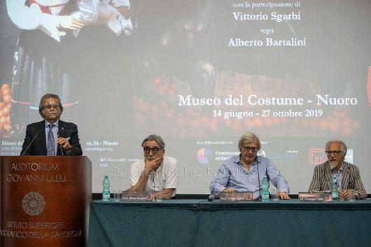 Nuoro. ISRE, inaugurazione della mostra di Giuseppe Carta (© foto S.Novellu)