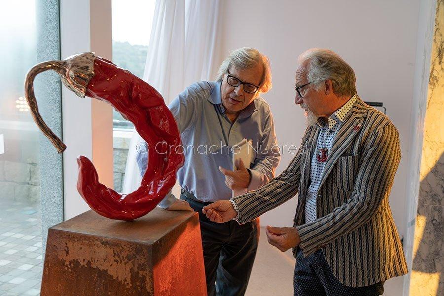 Nuoro. ISRE, Vittorio Sgarbi e Giuseppe Carta (© foto S.Novellu)
