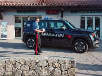 San Teodoro. I Carabinieri davanti al market