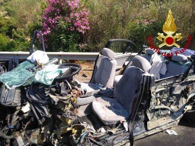 La BMW dopo lo schianto