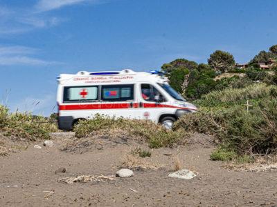 Bosa. Un'ambulanza sulla strada di Turas (foto S.Novellu)