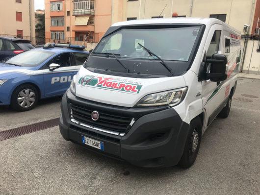 Il furgone portavalori oggetto del tentato assalto