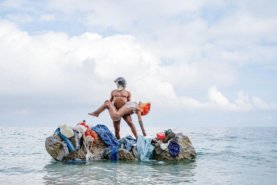 """""""Pesce fuor d'acqua"""": all'Acquario di Cala Gonone la mostra fotografica contro la plastica"""