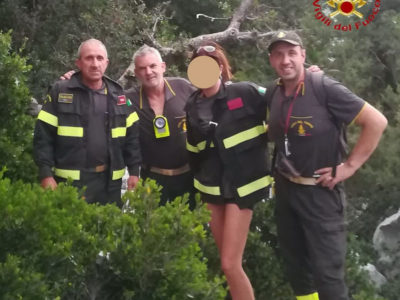 I Vigili del fuoco con la turista francese