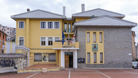 Oliena, il palazzo comunale (foto S.Novellu)