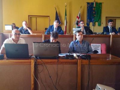 Un momento del Consiglio Comunale con i vertici di Abbanoa (foto Sonia Meloni)