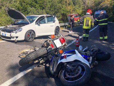 I mezzi coinvolti dopo l'incidente