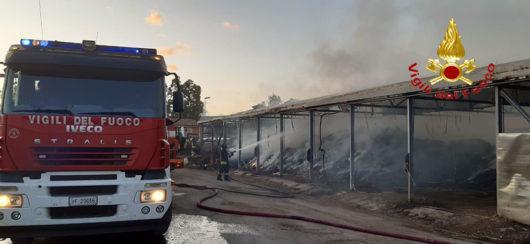 L'incendio nell'ecocentro di San Teodoro