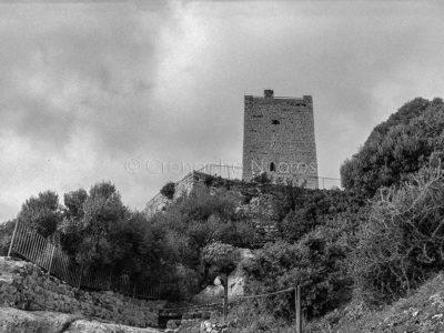 Posada, uno scorcio del castello della Fava (© foto S.Novellu)