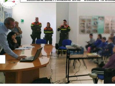 La lezione della Protezione Civile con gli studenti di Bolotana
