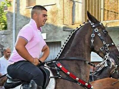 Un'immagine di Michele Spada a cavallo