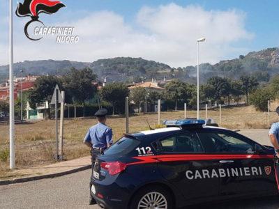 Macomer, Carabinieri sul luogo dell'incendio