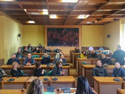 L'incontro con i commercianti in Comune (foto S.Meloni)