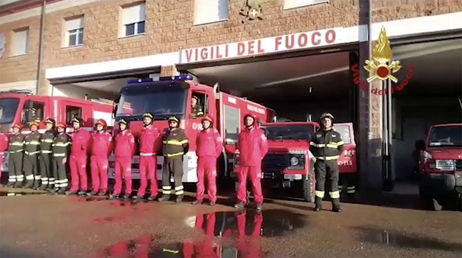 L'omaggio dei Vigili del fuoco della Sardegna ai colleghi morti a Alessandria