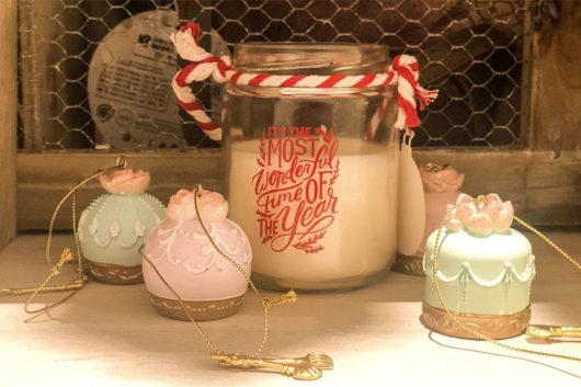 Atmosfere natalizie nel salotto di Suite 160