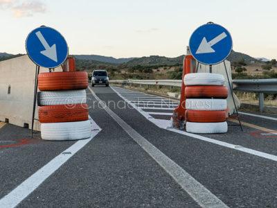 Il ponte di Oloè chiuso al traffico (foto S.Novellu)
