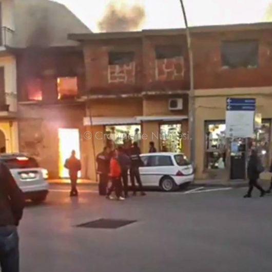 Casa in fiamme a Orosei