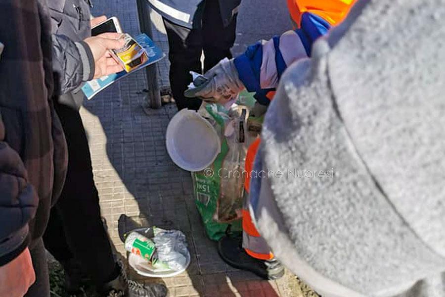 I cittadini che controllano i rifiuti