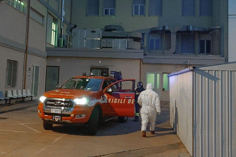 I Vigili del fuoco all'ospedale di Sorgono