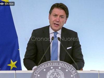 Il presidente del Consiglio Conte durante la diretta TV