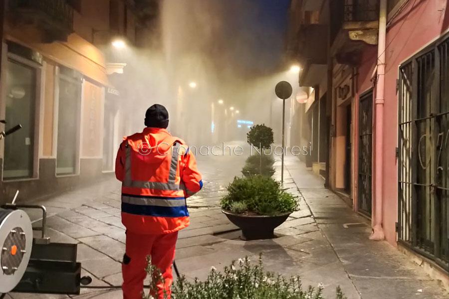 Nuoro, sanificazione di strade e piazze, il Corso